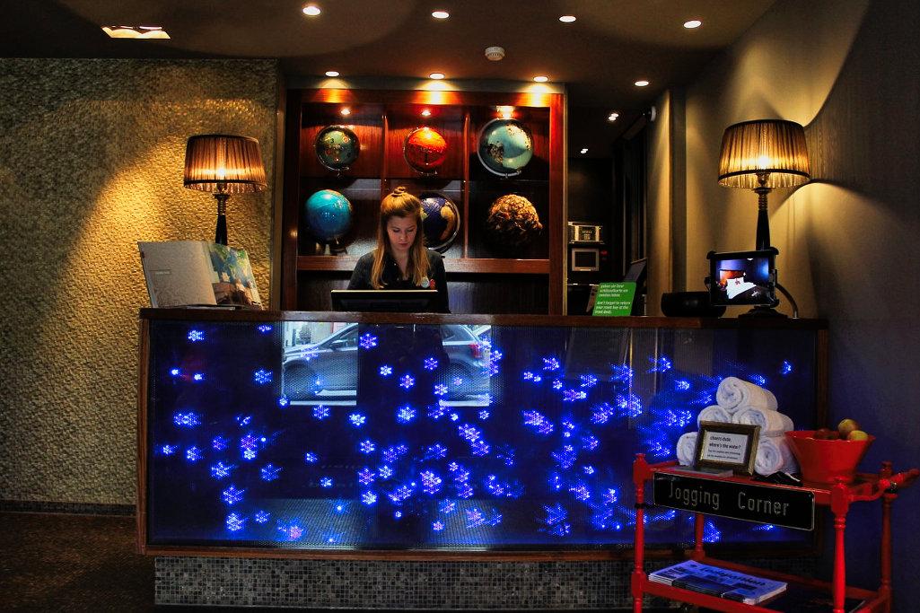 das lifestylehotel 25hours hotel the goldman in frankfurt ostend. Black Bedroom Furniture Sets. Home Design Ideas
